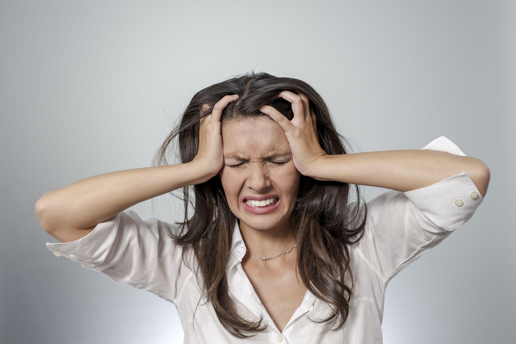 Жить счастливо: как справиться с предменструальным синдромом