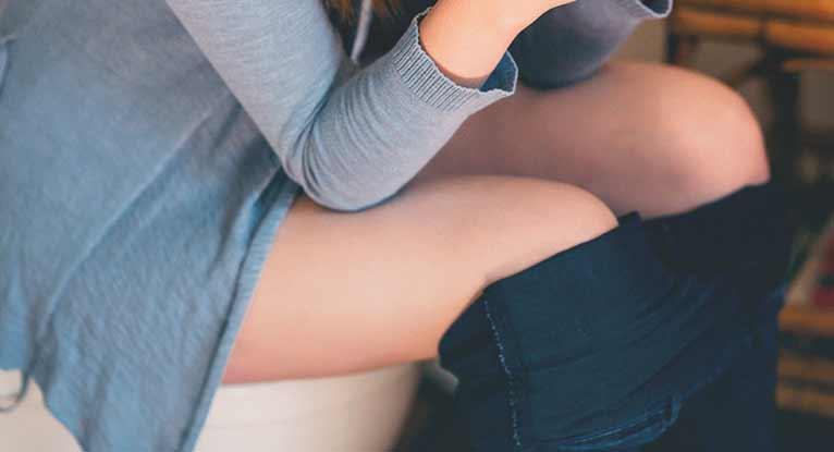 Послеродовой геморрой: причины, симптомы, лечение