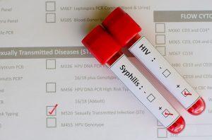 Если мошонка болит, проверяемся на эпидидимит: всё о воспалении придатка семенника